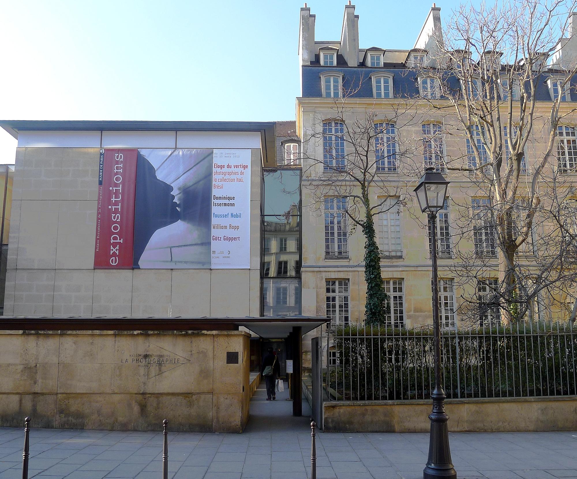 Exterior de la Maison Européenne de la Photographie