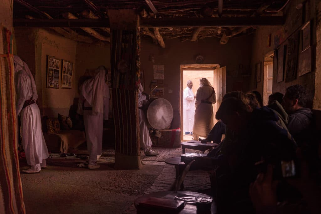 Interior casa en el desierto. Fotografía de Santiago Martínez de Septién.